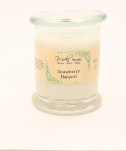 status candle strawberry daiquiri 12oz